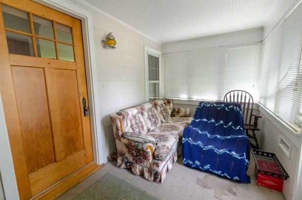 bonus room (photo 2)