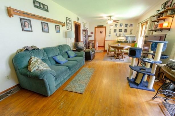 hardwood floors (photo 3)