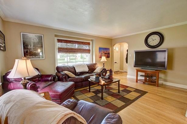 Big livingroom (photo 4)