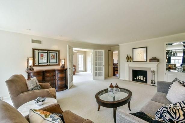 Living Room Opens to Sunroom (photo 5)