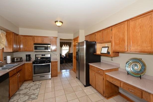 Bright Kitchen! (photo 5)