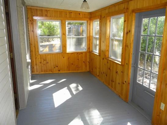 Sun Porch (photo 2)