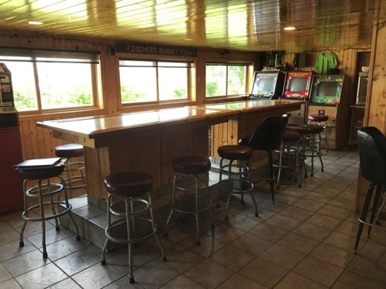 Bar (photo 5)