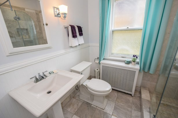 1st Floor Bathroom (photo 5)