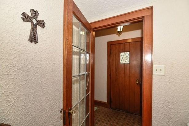 Front Door Entrance (photo 3)