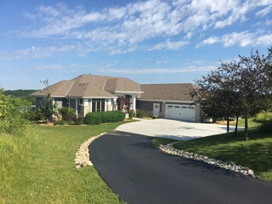 Stunning Prairie Style Home (photo 1)