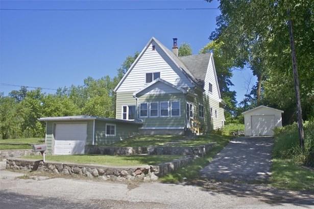 Farmhouse (photo 1)