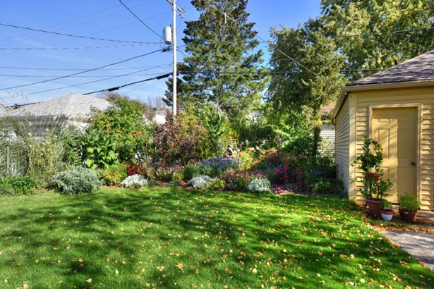 Slice of Heaven Backyard (photo 5)