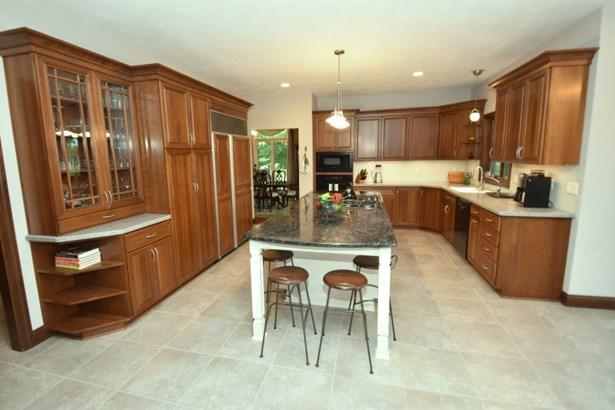 Gorgeous Kitchen (photo 2)