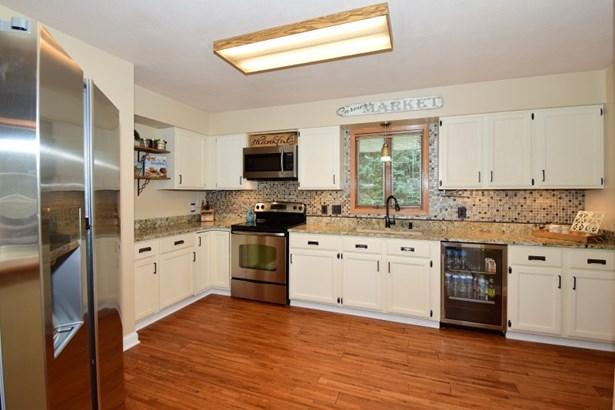 Newly updated Kitchen (photo 2)