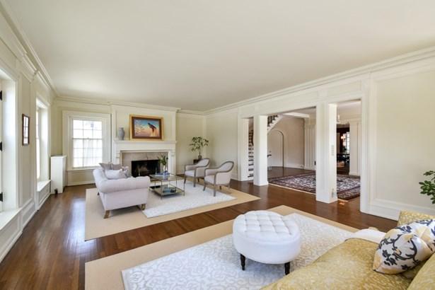 Regal living room (photo 3)
