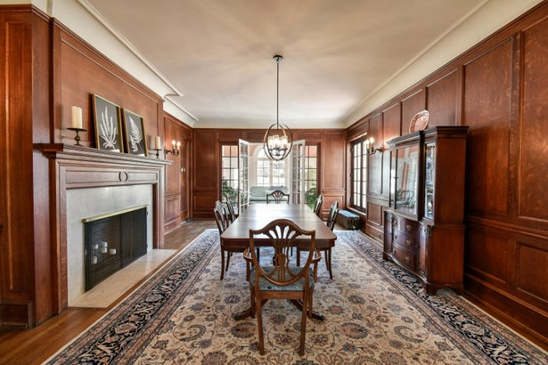 Formal dining room with FP (photo 5)