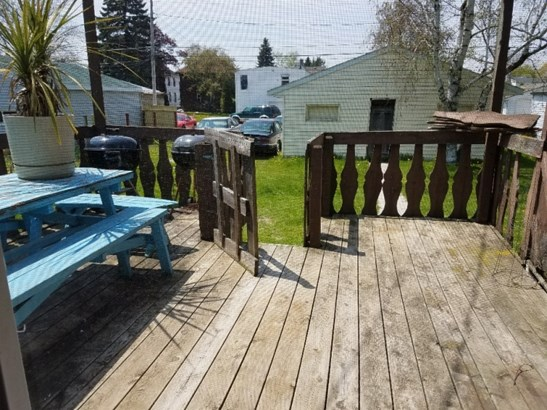 Deck and Backyard (photo 3)