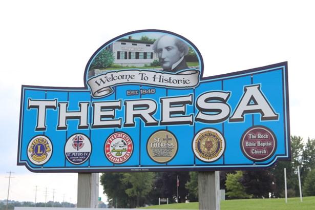 Welcome to Theresa (photo 2)