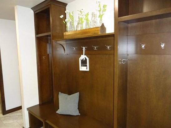 Lockers (photo 3)