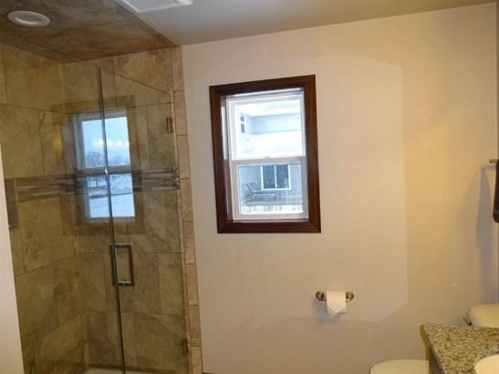 Tile shower (photo 4)