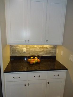 Under cabinet lighting (photo 5)