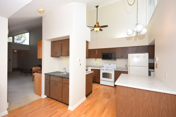 Kitchen with Vaulted Ceiling (photo 4)