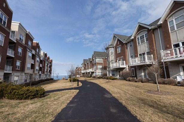 Park Shore Condominiums (photo 1)
