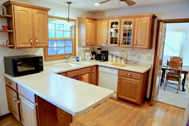 Kitchen w/ New Appliances (photo 2)