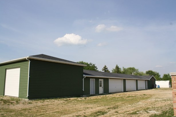 Detached Garages (photo 3)