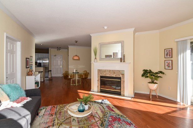 Great Room with Gas Fireplace (photo 1)