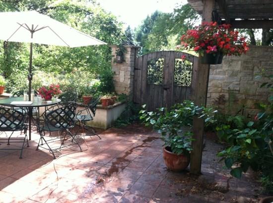 Courtyard (Summer View) (photo 5)