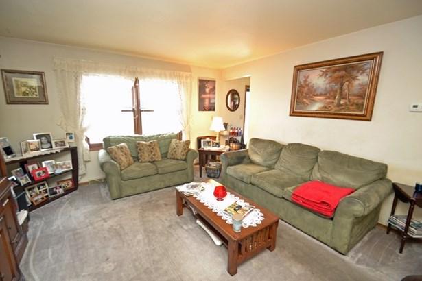 Lower Living Room (photo 2)