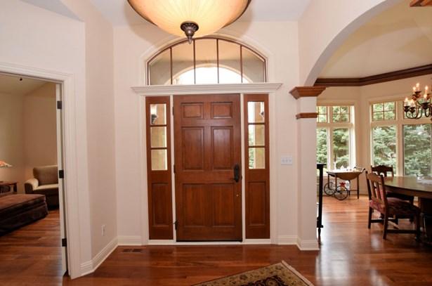 Foyer Entry (photo 3)