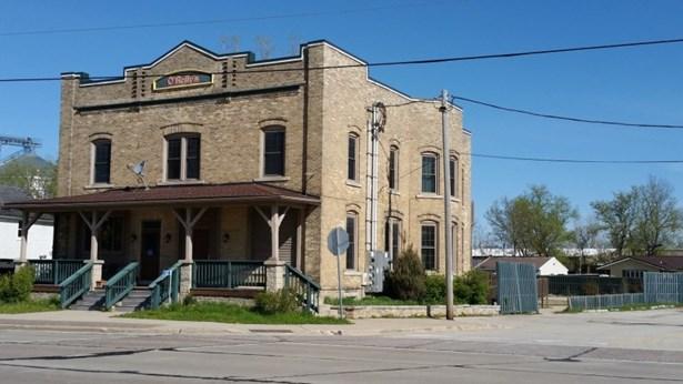 Front of Restaurant/Tavern (photo 1)