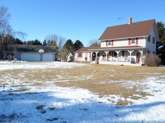 4 Bedroom County Home (photo 1)