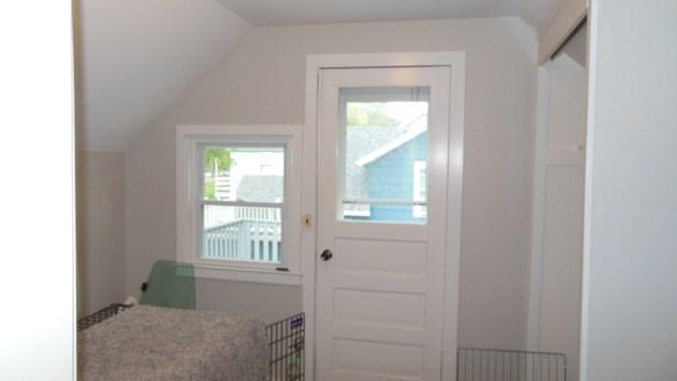 Upper Bedroom (photo 4)