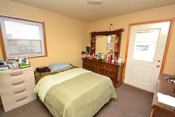 Lower Bedroom (photo 4)