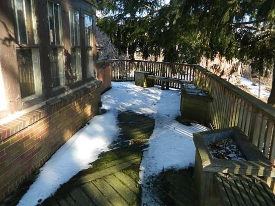 Wrap around deck (photo 3)
