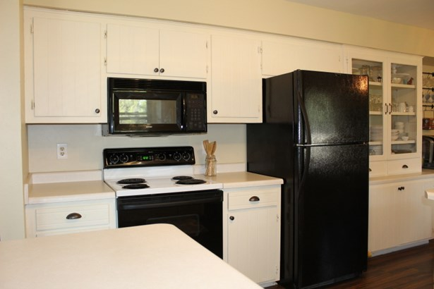 Kitchen-B (photo 4)