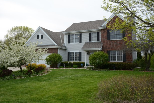 Beautiful Updated Colonial (photo 1)