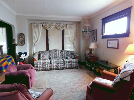 Charming Interior (photo 2)