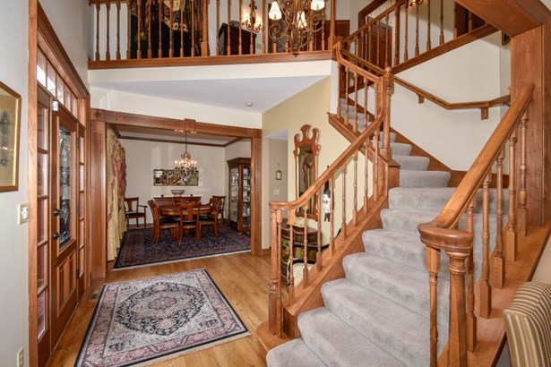 Double Height Foyer Entry (photo 2)