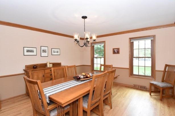 Dining Room w/HWFs (photo 4)