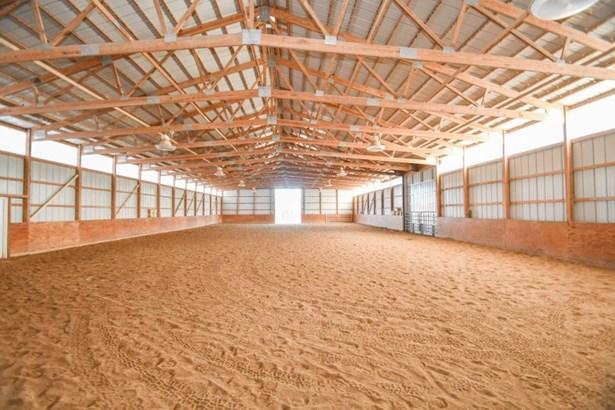 Indoor Arena (photo 3)