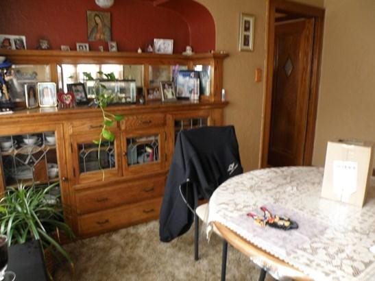 Upper Unit Dining (photo 3)