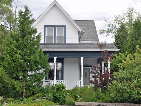Exterior front (photo 1)