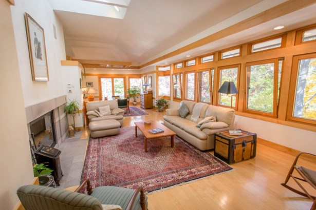 Nature lovers living room (photo 5)