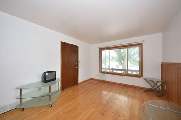 Living Room Upper (photo 3)