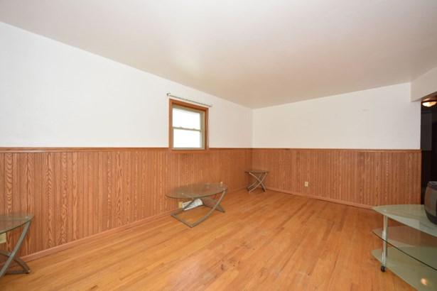Living Room Upper (photo 4)