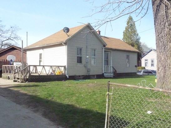 Large back yard (photo 4)