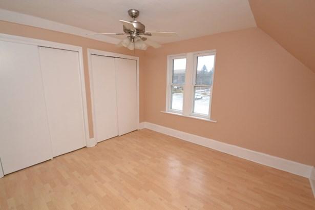 Upper Bedroom 1 (photo 3)