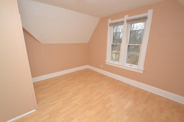 Upper Bedroom 2 (photo 4)