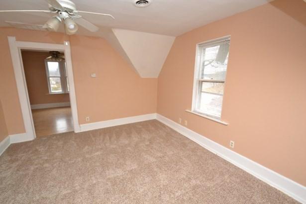 Upper Living Room (photo 5)