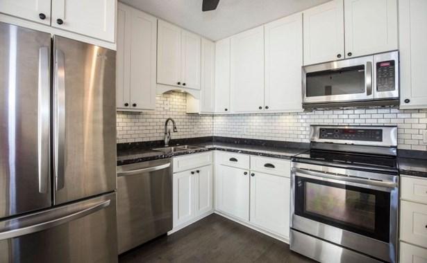 Beautifully Updated Kitchen (photo 1)
